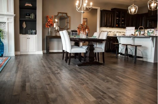 Copper Canyon: Engineered Hardwood Flooring Installation